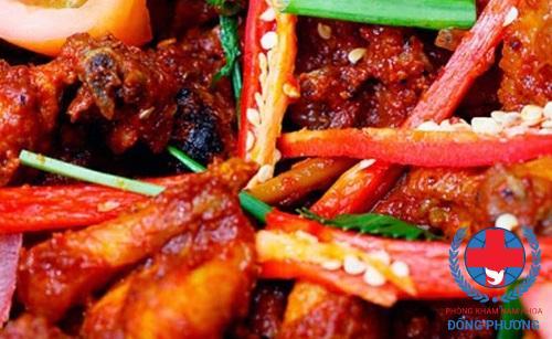 Đồ ăn cay cần tránh xa khi chữa bệnh đi tiểu nhiều