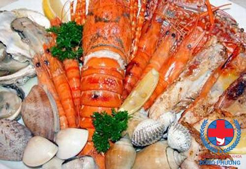 Nếu bạn đang hỏi viêm niệu đạo kiêng gì thì hải sản chính là câu trả lời