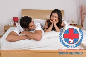 Quan hệ nhiều gây tổn thương niệu đạo cùng là lí do nam giới bị tinh dịch có máu