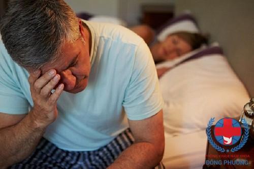 Đi tiểu đêm nhiều lần khiến bạn mệt mỏi, nhất là khi có tuổi!