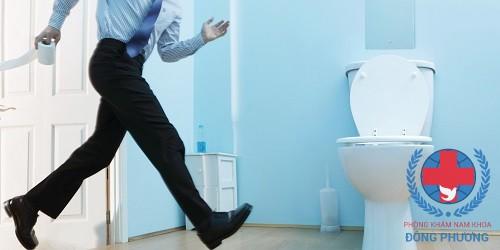 Đi tiểu nhiều lần trong ngày – triệu chứng viêm tiết niệu