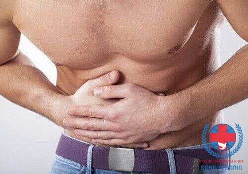 Đau tinh hoàn và bụng dưới là triệu chứng bệnh gì?
