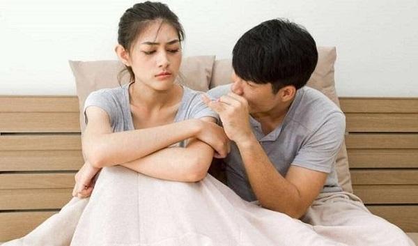 """Vợ muốn """"yêu"""" mà chồng bị yếu sinh lý nên cứ trốn tránh"""